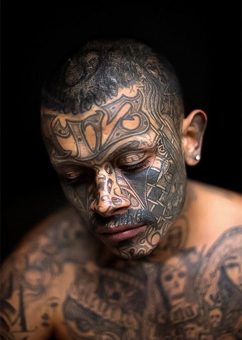 Татуировка — Статус
